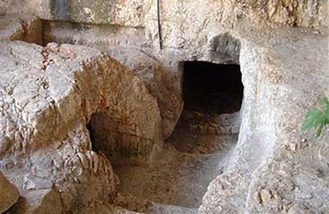 Tìm thấy ngôi mộ Đức Giêsu?