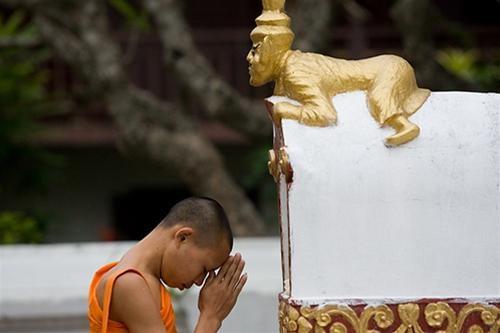 Bình minh cố đô Luang Prabang