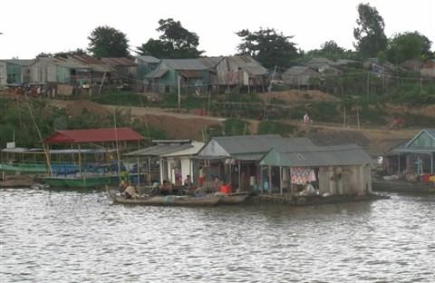 Campuchia : Căm Bốt