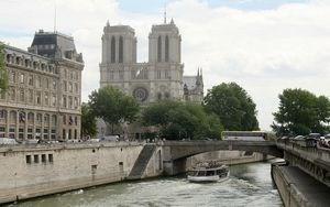 Nhà Thờ Ðức Bà Paris