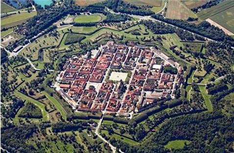 10 pháo đài kiên cố hình sao