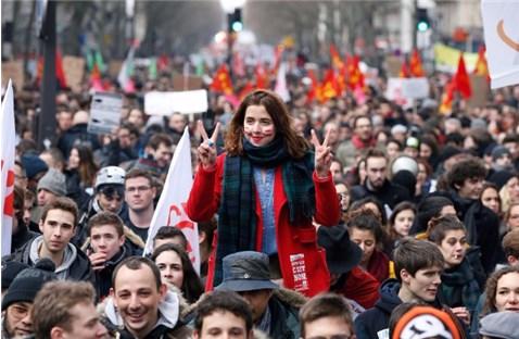 Chứng bệnh xã hội thâm căn của Pháp