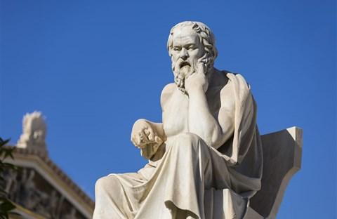 """Cuộc đời và cái chết của triết gia """"khôn ngoan nhất"""" thành Athens : Socrates"""