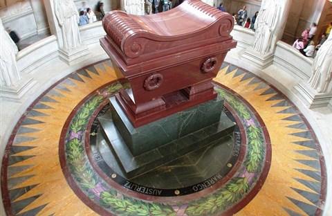 Lăng mộ của Napoleon ở điện Invalides
