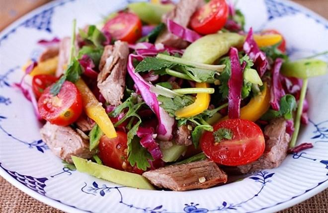 Salad thịt bò kiểu Thái