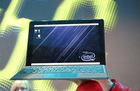 Máy tính 2 trong 1 hỗ trợ 5G