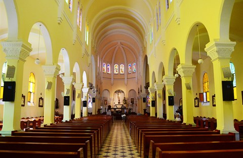 Vẻ đẹp của nhà thờ kiến trúc Pháp lớn nhất ở Đà Lạt