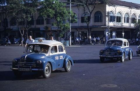 Sài Gòn taxi màu xanh dương