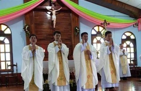 Giáo hội Lào mới có thêm 4 tân linh mục