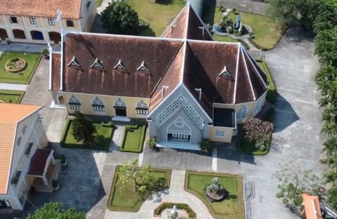 Toàn cảnh Nhà Thờ và Dòng Mến Thánh Giá Thủ Thiêm gần 180 tuổi