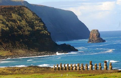 Đảo Phục Sinh và những bức tượng Moai bí ẩn