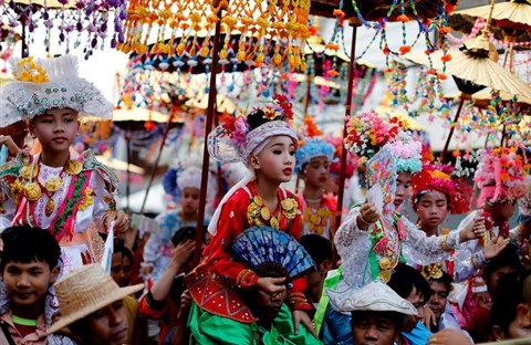 Nghi lễ 'Quy y cửa Phật' của những cậu bé xinh như hoa ở Thái Lan
