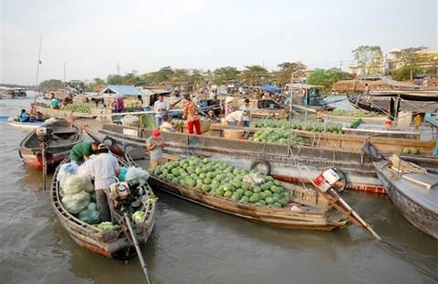 Chợ nổi lớn nhất miền Tây ngày cận Tết