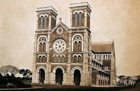 Hình ảnh nhà thờ Đức Bà Sài Gòn lúc  mới xây