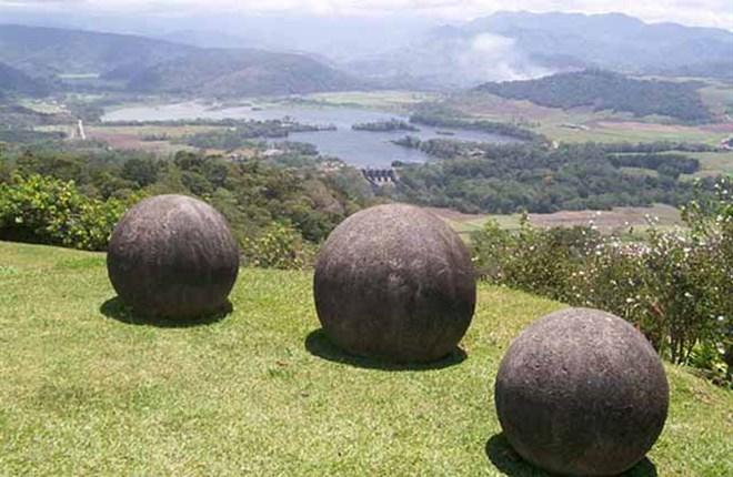 Những quả cầu khổng lồ bí ẩn nhất thế giới, khoa học vẫn không thể giải thích được