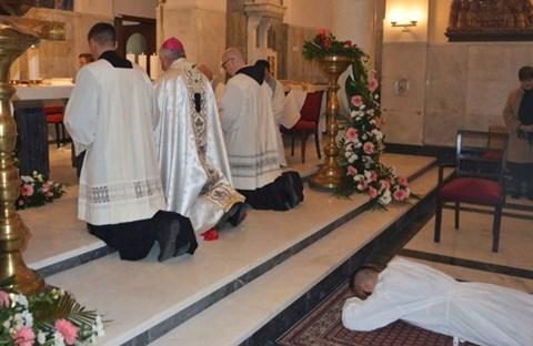 Ơn gọi của José Pedraza: từ cảnh sát trở thành linh mục