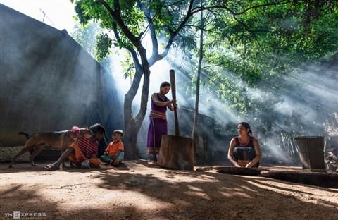 Nét đẹp phụ nữ Việt dọc miền đất nước