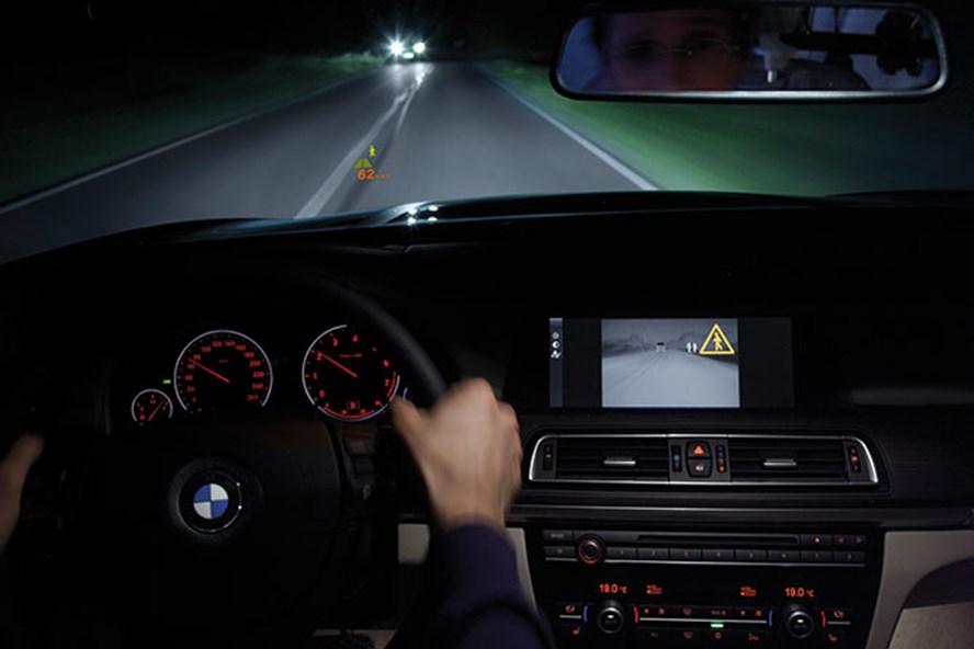 Những mẹo vặt chống buồn ngủ hiệu quả khi lái xe vào ban đêm - 1