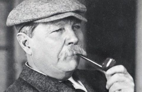 Đôi nét về tác giả tiểu thuyết trinh thám nổi tiếng nhất mọi thời đại Sherlock Holmes