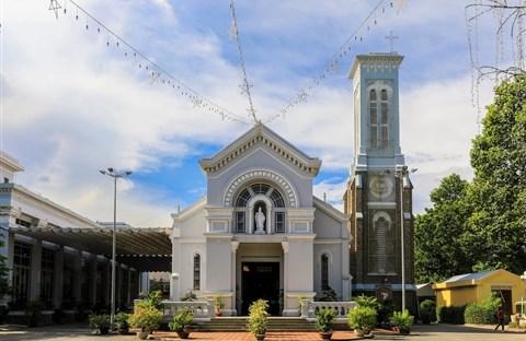 Nhà thờ 99 tuổi của gia đình Nam Phương hoàng hậu