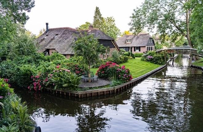 Ngôi làng cổ tích Giethoorn