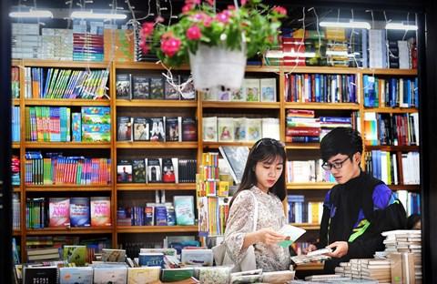 Sách dọc đường đời