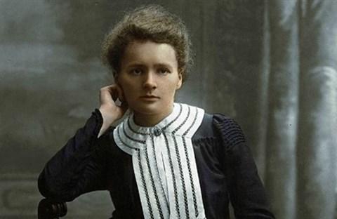 4 bí mật hàng thập kỷ của nhà bác học Marie Curie