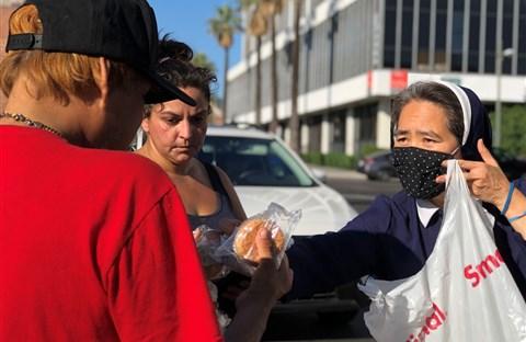 Những nữ tu gốc Việt mang sứ vụ 'đổi đời' cho người vô gia cư