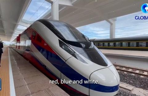 Trung Quốc bàn giao tàu cao tốc 'Triệu Voi' cho Lào