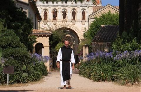 Sư huynh Maria, từ vô thần đến đan viện Lerins