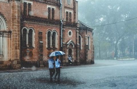 Hoài niệm về mùa mưa của Sài Gòn xưa với những cơn mưa bất chợt không hề báo trước