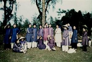 dong-khanh-hue-15