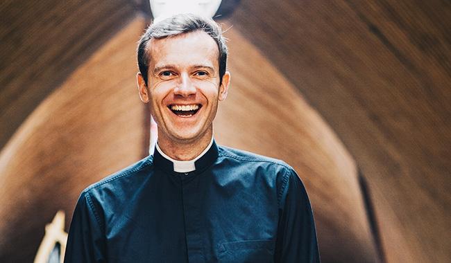 Alain de Campigneulles: Từ thế giới xa hoa đến sự xa xỉ của đức tin - 1