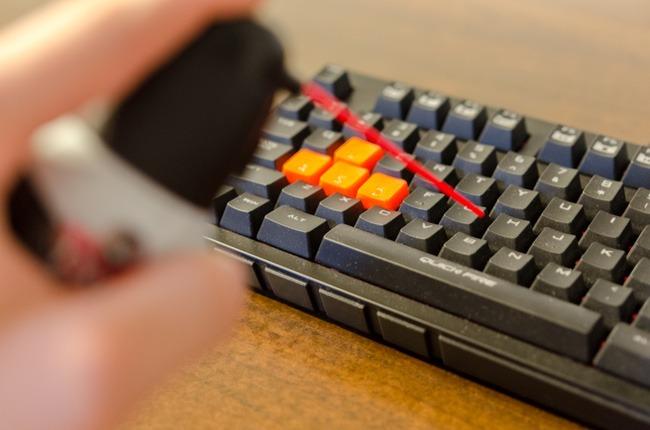 Làm sao khử khuẩn bàn phím máy tính? - 4