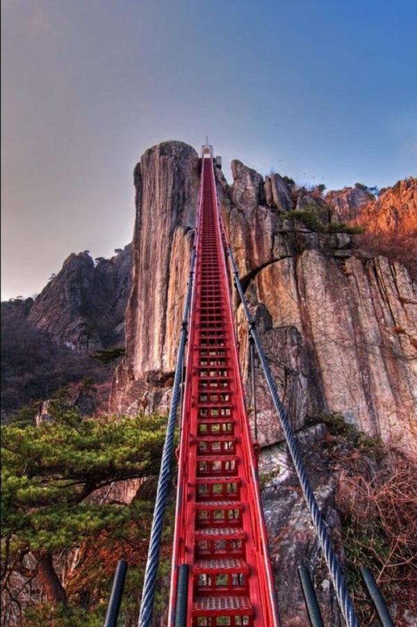 10 cây cầu treo sợ nhất thế giới - 6