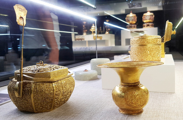 64 Bảo vật hoàng cung triều Nguyễn lần đầu về lại cố hương - 25