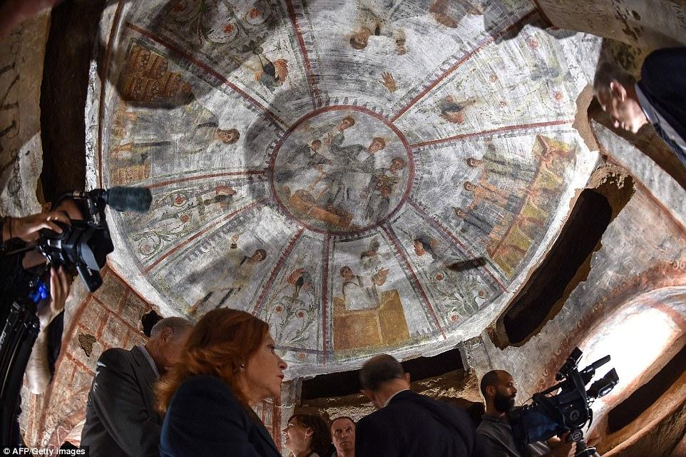 Thành phố ngầm huyền thoại của Kitô giáo ở Rome - 1
