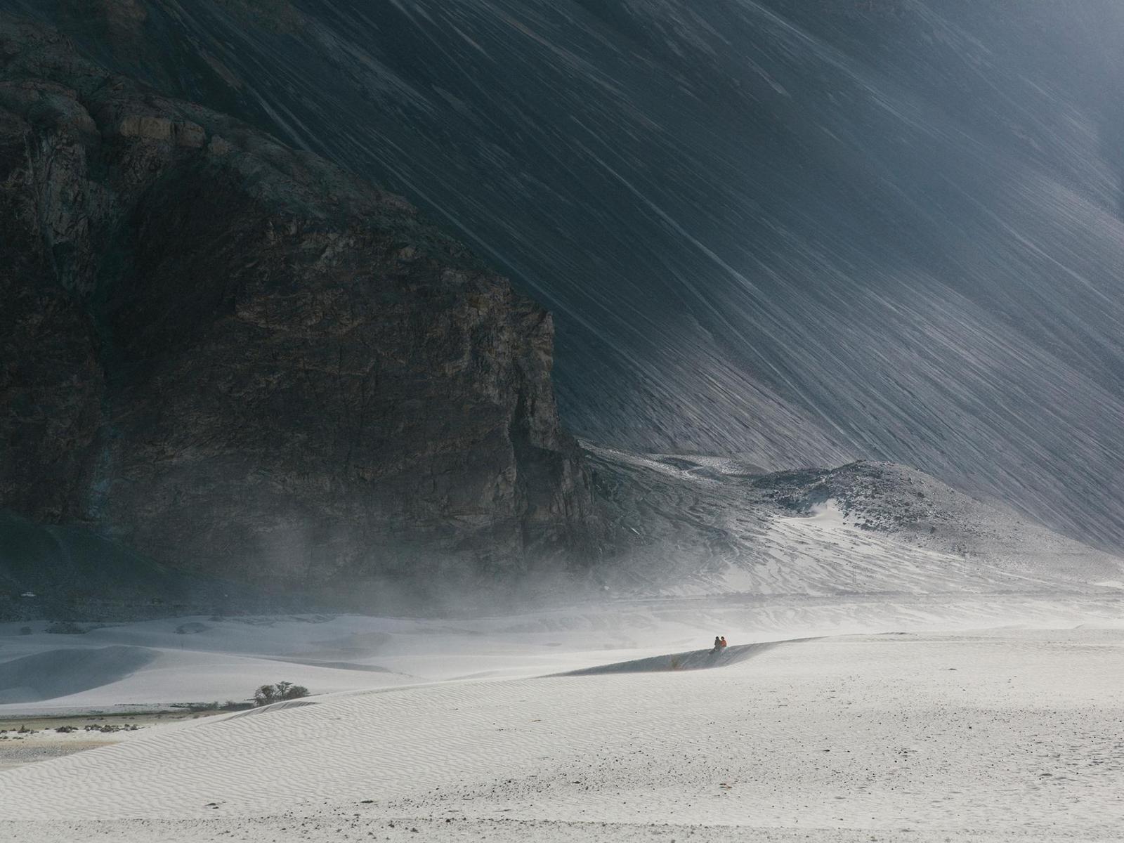 Những hình ảnh siêu thực về 'vùng đất trăng' kỳ bí - 17