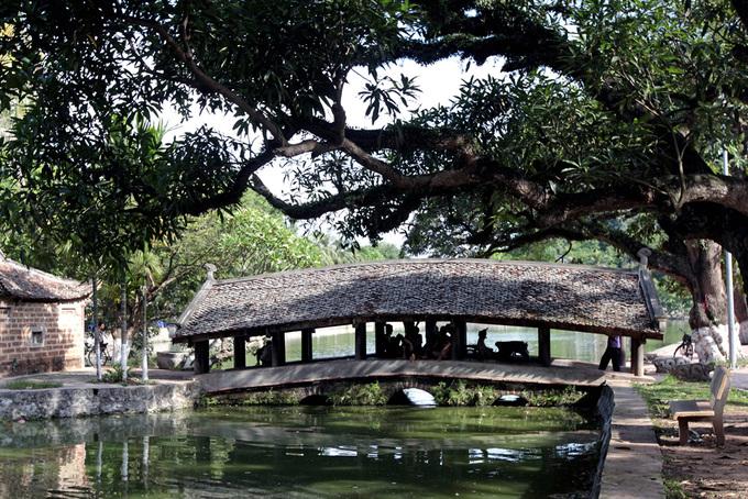 Những cây cầu ngói đẹp ở Việt Nam - 7