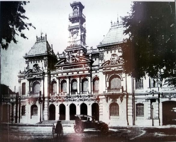 Ấn tượng về kiến trúc Pháp trên phố đi bộ Nguyễn Huệ - 6