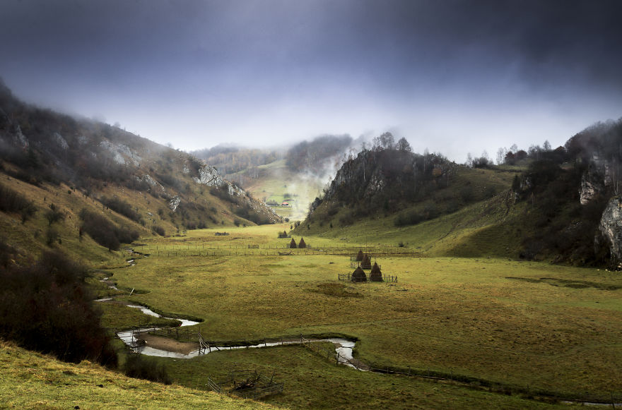Vẻ đẹp kỳ diệu trên mảnh đất Transylvania huyền thoại - 2