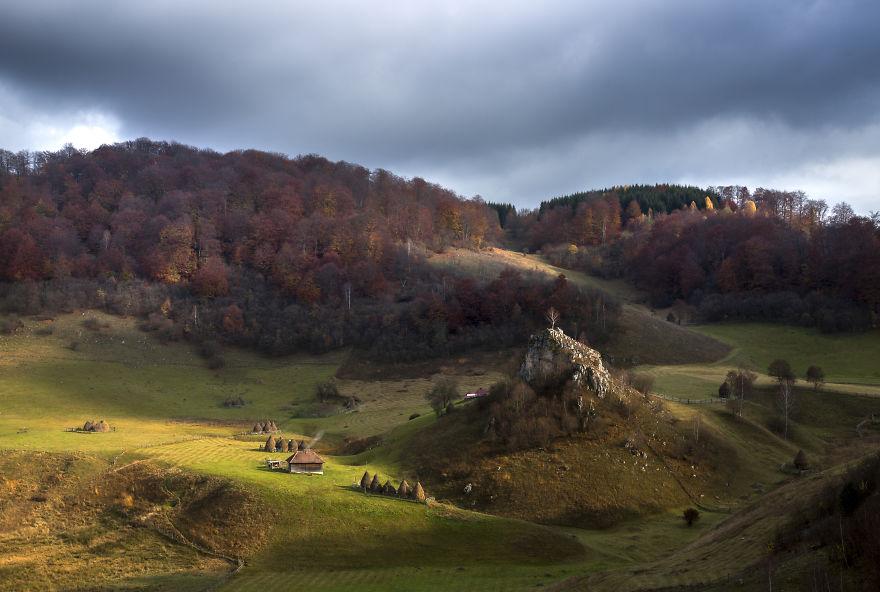 Vẻ đẹp kỳ diệu trên mảnh đất Transylvania huyền thoại - 3