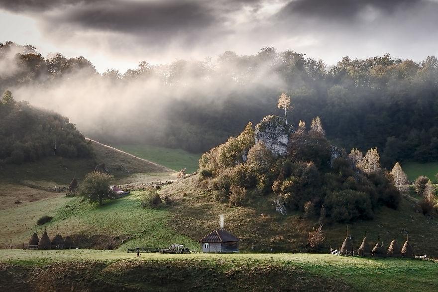 Vẻ đẹp kỳ diệu trên mảnh đất Transylvania huyền thoại - 1