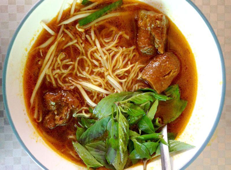 Hủ tiếu bò cay Bạc Liêu, món khoái khẩu của người Sài Gòn - 1