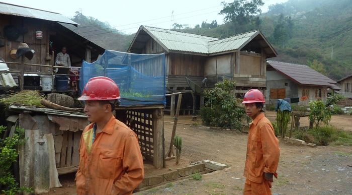 Dân Lào nổi giận vì dự án đường sắt Trung Quốc làm - 3