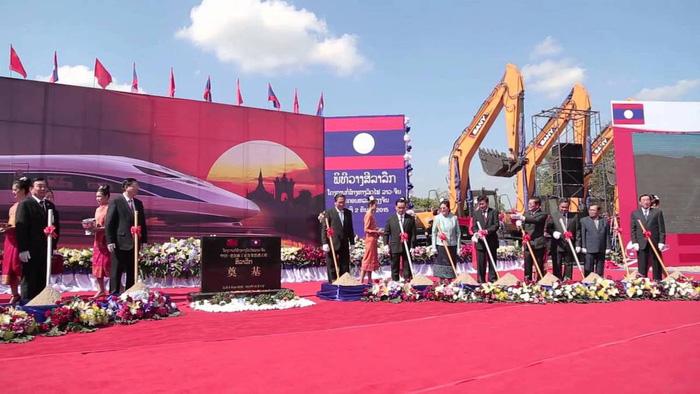 Dân Lào nổi giận vì dự án đường sắt Trung Quốc làm - 1