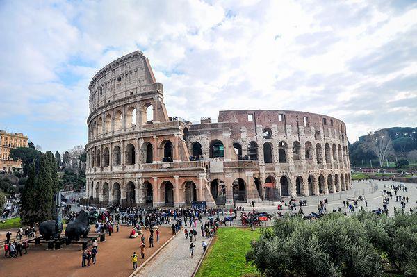 Ngắm hình bóng thời gian giữa không gian lãng mạn Roma - 3