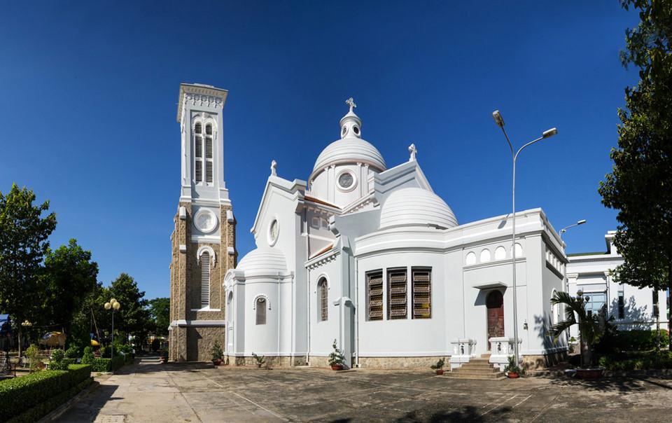 Những nhà thờ góp phần làm nên Sài Gòn đặc sắc - 13