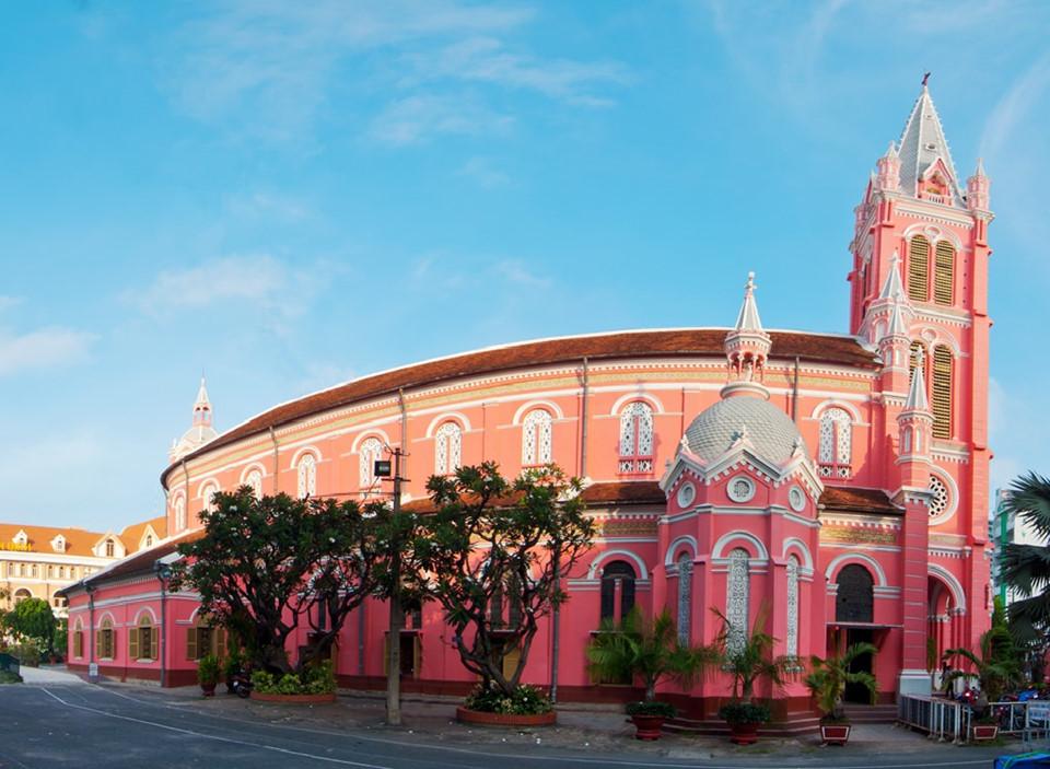 Những nhà thờ góp phần làm nên Sài Gòn đặc sắc - 16