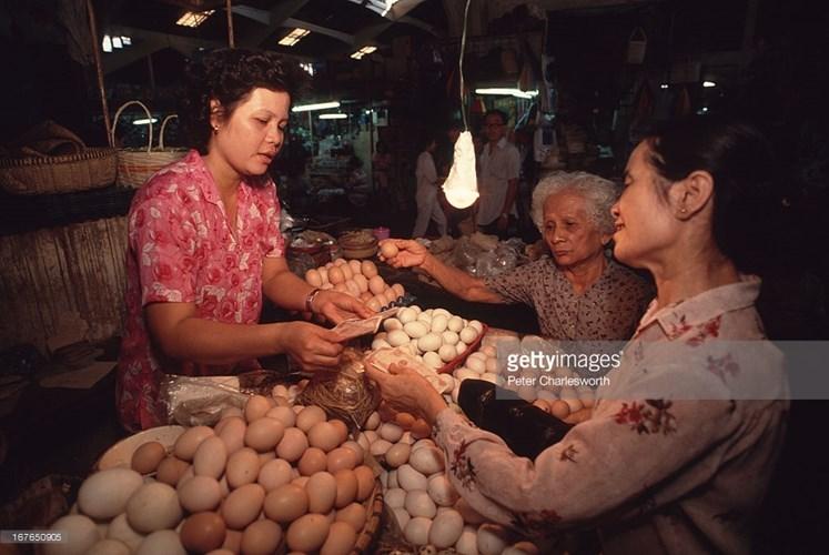 Hình ảnh về phụ nữ Việt Nam thập niên 1990 - 7